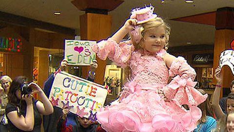 Toddlers and Tiaras: The top 10 most screwed up beauty pageant kids