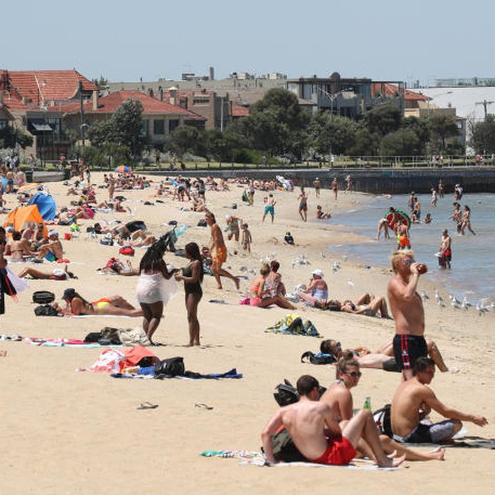 Police to swarm St Kilda beach equipped with new weapons powers
