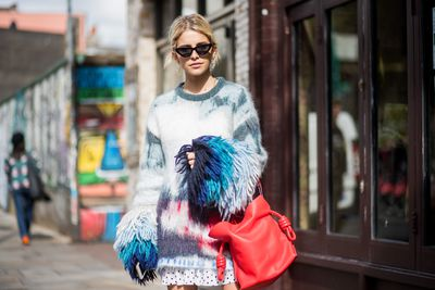 Bold textures, eclectic shapes and colours that announce your arrival for Caroline Daur.