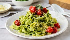 Green herb pesto linguine