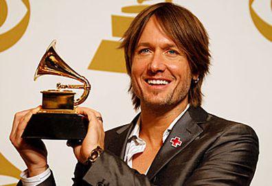 Keith Urban with Grammy Award (Getty)
