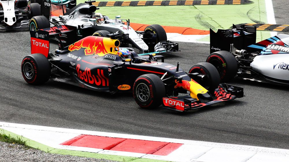 Ricciardo's 'pass of the year' livens up Italian Grand Prix