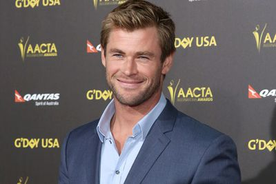 Warning: You may fall in love with Chris Hemsworth a little more after looking at this pic.