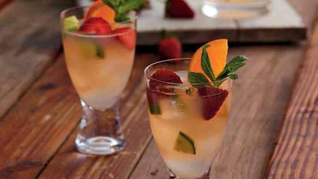 Garden fizz cocktail