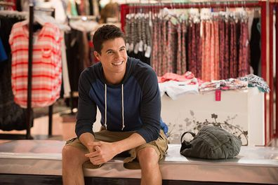 Robbie Amell in a scene from 2015 film The DUFF