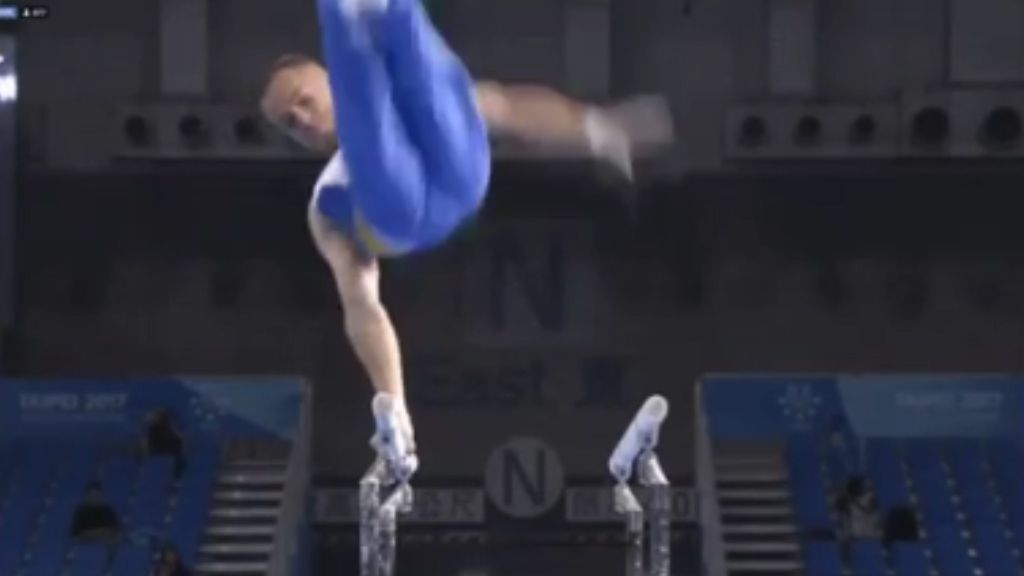 Gymnast crotches himself