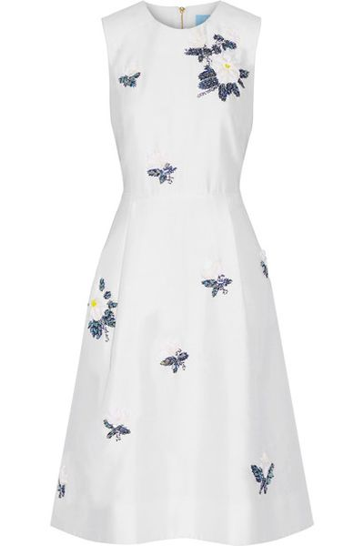 "<p>Dress like Reese</p> <p>Draper James embellished silk/cotton dress, $630.43 at <a href=""https://www.net-a-porter.com/au/en/product/842131/Draper_James/embellished-silk-and-cotton-blend-dress"" target=""_blank"" draggable=""false"">Net-a-porter</a><br> </p>"