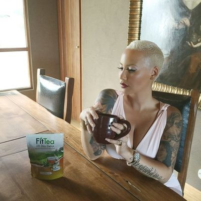 <p>Amber Rose's tea fetish is interrupting serious business meetings.</p>