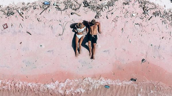 Komodo Island's Pink Beach covered in rubbish