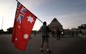 Anti-mask protesters gather at Melbourne Shrine of Remembrance