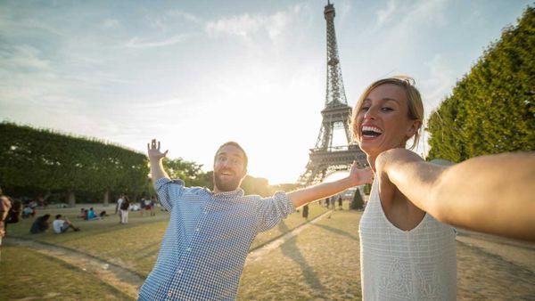 #MeTourism: the hidden costs of selfie tourism_thumb