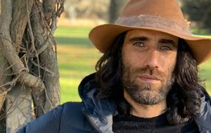 Iranian writer Behrouz Boochani granted refugee status in New Zealand