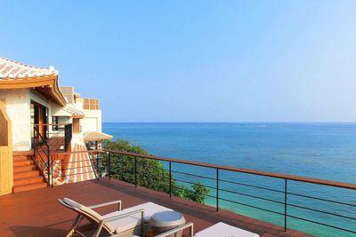 <strong>Luxury Adult Beach Resort: Hyakuna Garan, Japan&nbsp;</strong>