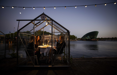 Mediamatic wants to let guests dine in coronavirus-proof glass greenhouses.