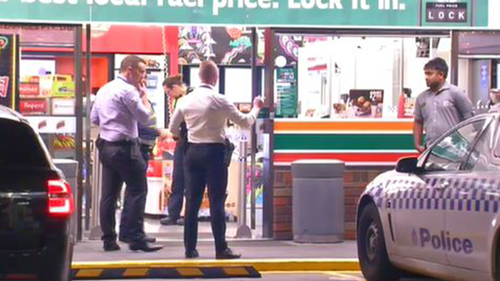 Northcote 7/11 robbed at knife point