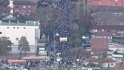 As the holy month of Ramadan ends, tens of thousands of Muslims have gathered in south-western Sydney to celebrate the Eid holiday. (9NEWS)
