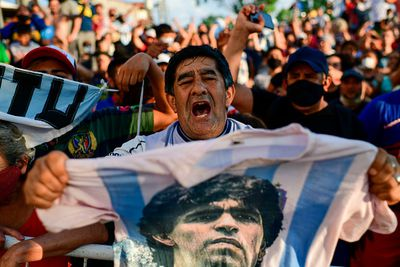 Diego Maradona's agent wants investigation for 'criminal idiocy' from ambulance response team