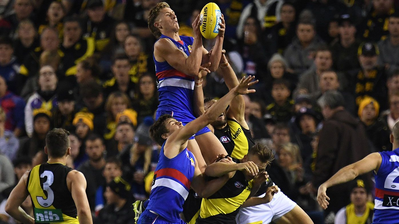 Western Bulldogs overwhelm Richmond