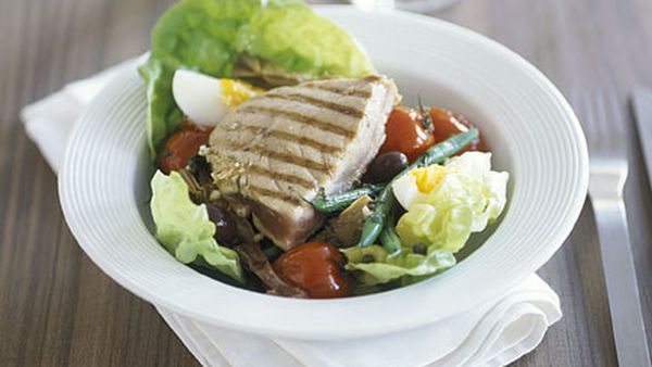 Tuna and artichoke salad nicoise