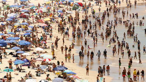 Huge crowds at Bondi Beach today. (AAP)