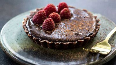 "<a href=""http://kitchen.nine.com.au/2016/05/20/10/04/sneh-roys-raw-chocolate-tart"" target=""_top"">Sneh Roy's raw chocolate tar</a><a href=""http://kitchen.nine.com.au/2016/05/20/10/04/sneh-roys-raw-chocolate-tart"" target=""_top"">t</a> recipe - egg free, dairy free, gluten free, refined sugar free"