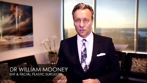 Celebrity surgeon William Mooney under investigation after patient