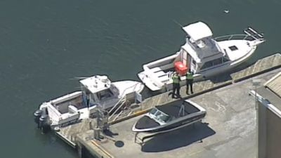 Man drowns, woman in hospital after boat capsizes