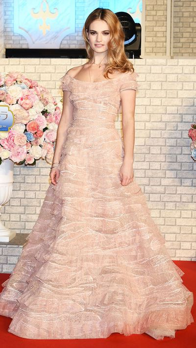 James in another Elie Saab Couture gown, this time at the film's Tokyo premiere