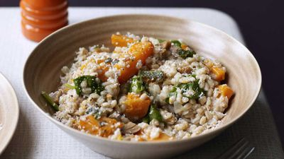 Spelt risotto with butternut squash, spinach, chestnuts and goats cheese