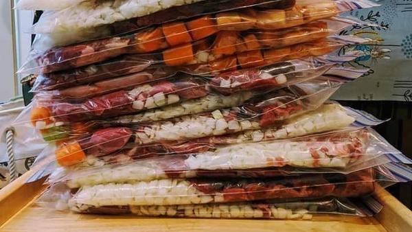 Slow cooker freezer 'dump bags'