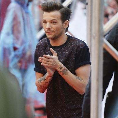 <p>The star: One Direction's Louis Tomlinson</p><p>The family member: father Troy Austin</p>