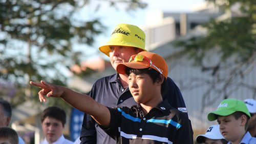 Jarrod Lyle conducting a coaching clinic for junior golfers. Picture: Golf Queensland