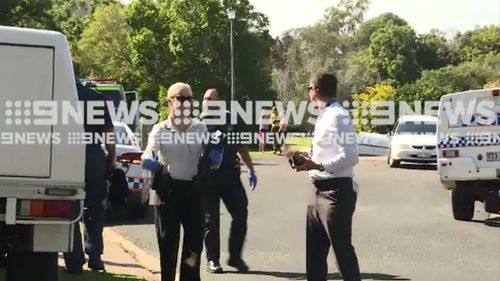 Detectives at the scene in Wondunna. (9NEWS)