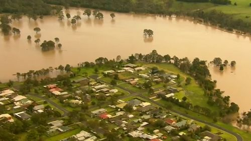 Thousands without power in Victoria after deluge as damage assessment begins
