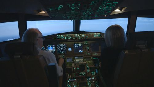 Boeing 777 pilot and instructor Simon Hardy takes Brown inside MH370's final moments through a series of flight simulations. (Picture: 60 Minutes)