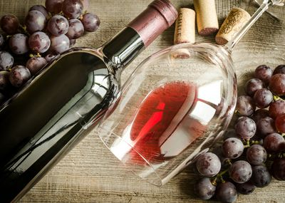 <strong>Pinot Noir (125 calories)</strong>