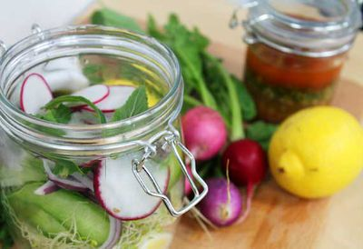 Hayden Quinn's salad in a jar