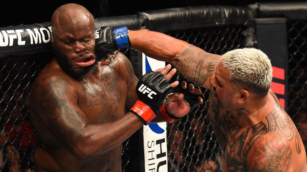 New Zealand's Mark Hunt scores TKO win over American Derrick Lewis at UFC Fight Night 110