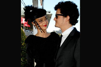 The pair chose to make their first public appearance at the AJC Derby in Sydney in April 2008. Miranda had just signed on as the new face of department store David Jones.