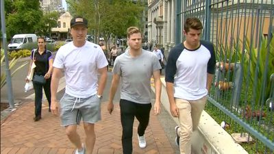 Brad Haddin, Steve Smith and Moises Henriques arrive at St Vincent's Hospital. (9NEWS)