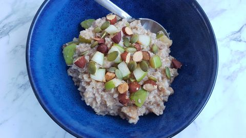 Today weight loss challenge: Apple crumble porridge recipe