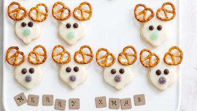 """<a href=""""http://kitchen.nine.com.au/2016/05/16/14/01/reindeer-cookies"""" target=""""_top"""">Reindeer cookies</a>"""