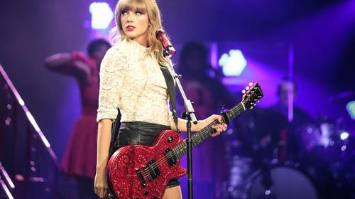 Swift performing live in 2013. (Getty)