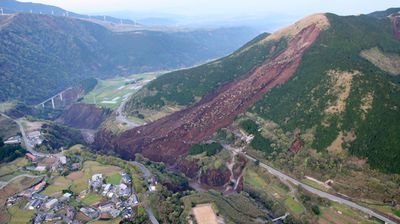 <p>From the air, the scale of the devastation becomes apparent; huge hillsides just gave way and great fissures opened up in the ground, swallowing roads, car parks and buildings.</p>