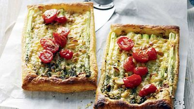 Asparagus, cheese and tomato tarts