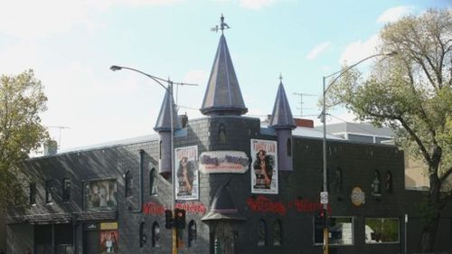 Witches in Britches theatre in Melbourne caught serving bootleg alcohol