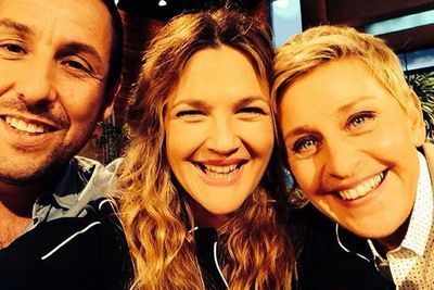 @drewbarrymore: OMG ! Love this selfie I got to take with these two awesome folks ! @theellenshow #blended #sofun