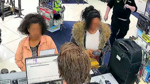 Alleged scammers have stolen thousands from businesses, shop owners claim.