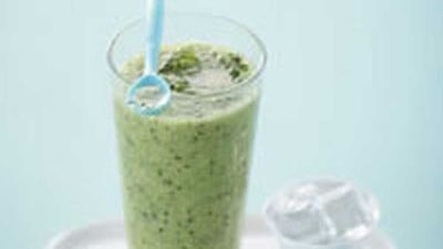 "Recipe:&nbsp;<a href=""http://kitchen.nine.com.au/2016/05/17/16/42/kiwifruit-and-mint-frapp"" target=""_top"">Kiwifruit and mint frapp&eacute;</a> recipe"
