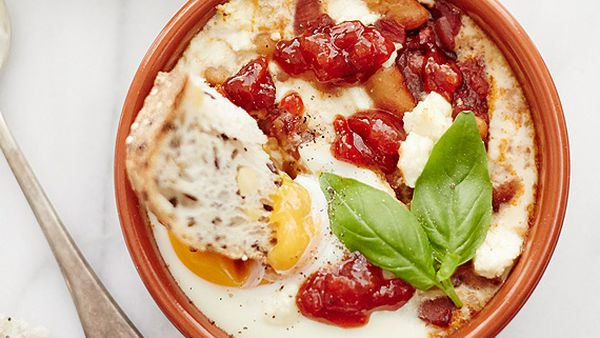 Sweet chilli baked eggs with beans